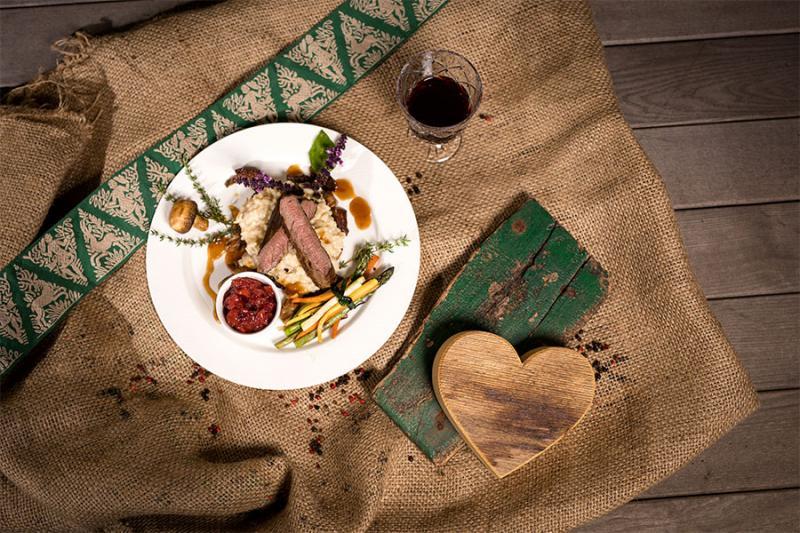 Genießen Sie die wundervollen Gerichte - von saisonalen, regionalen und österreichischen Spezialitäten. Foto: nixxipixx