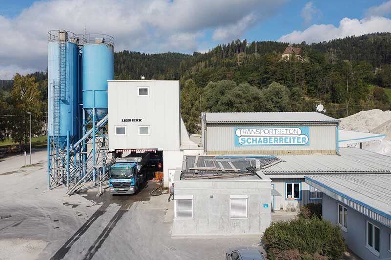 Die Firma Schaberreiter besitzt ein großes Firmengelände. Foto: Meieregger