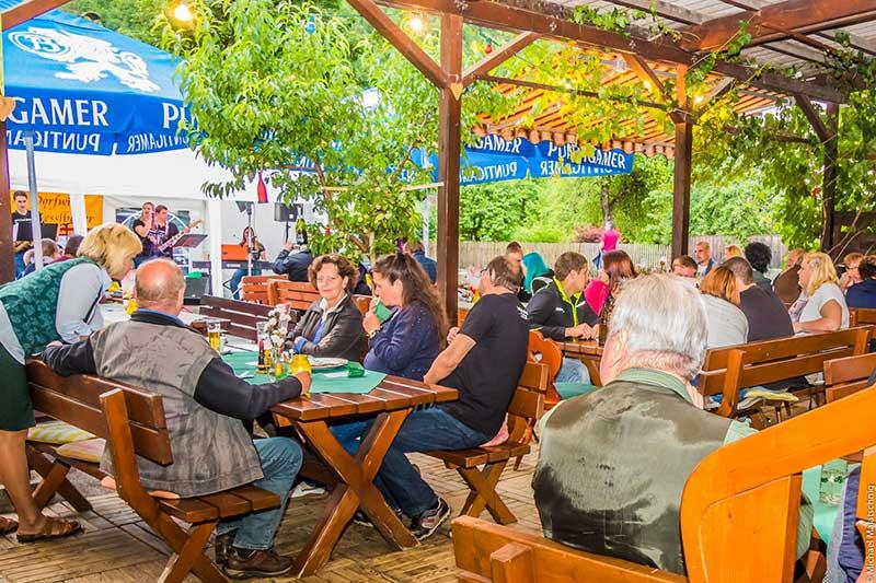 Im Sommer werden im Gasthof Oberer Gesslbauer Grillabende veranstaltet. Foto: Malatschnig